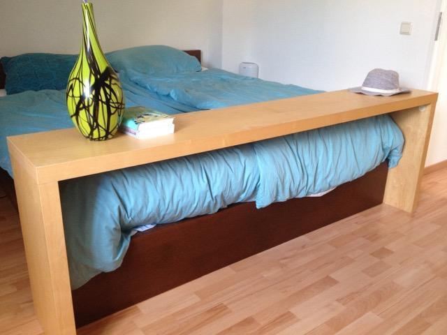 Bedtafel hout op wielen voor over hele bed werkspot - Bed tafel ...