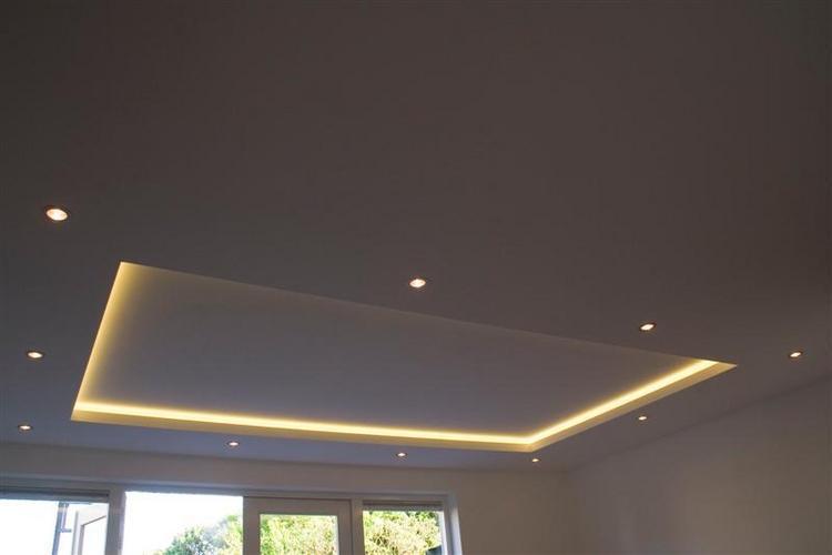 4bij 4m 20cm verlaagd plafond met spotjes ophangen for Led verlichting badkamer plafond