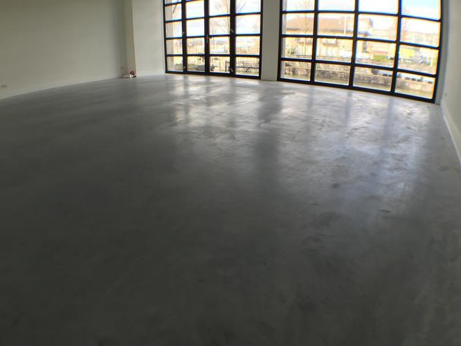 200m2 Betonvloer verven met beton verf   GEEN EPOXY ETC   Werkspot