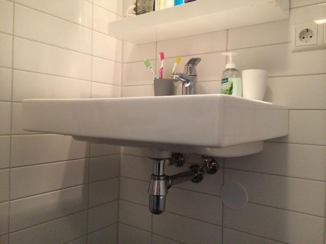 Badkamermeubel Onder Wastafel : Plaatsen badkamermeubel onder bestaande sphinx wastafel werkspot