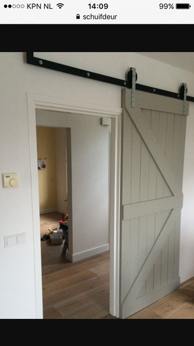 Schuifdeur tussen woonkamer en trapgat - Werkspot