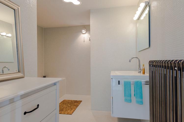 Aarding van de elektrische stekkers in de badkamer - Werkspot
