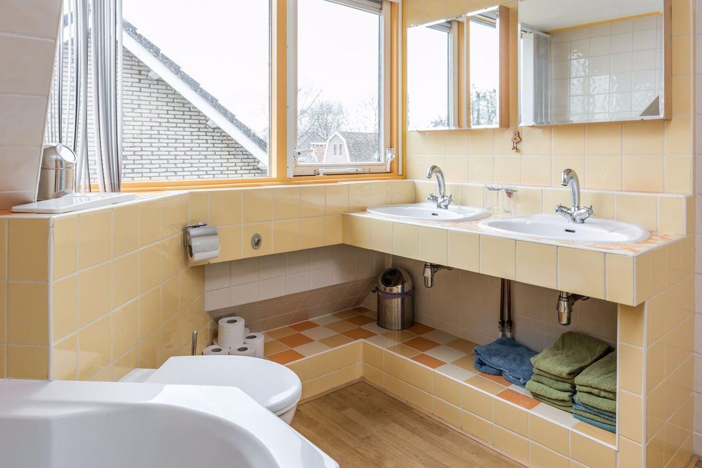 Betegelen Vloer Badkamer : Badkamer betegelen vloer en wand werkspot