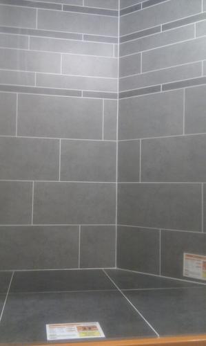 Opnieuw betegelen stucen afkitten douche wc electra beetje verleggen werkspot - Opnieuw zijn toilet ...