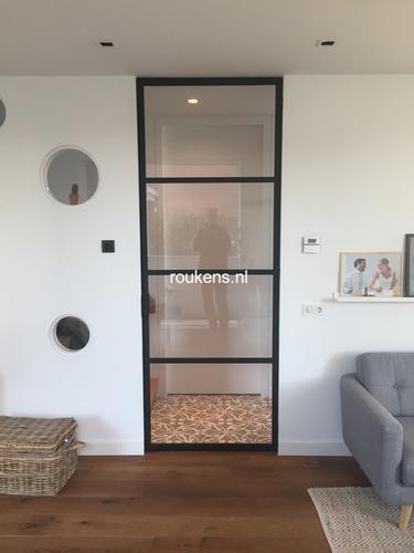 Stalen deur poedercoat woonkamer - Werkspot