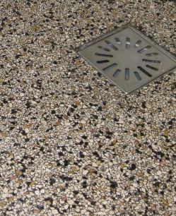 Geliefde Terrazzo vloer leggen als douchevloer - Werkspot MT06