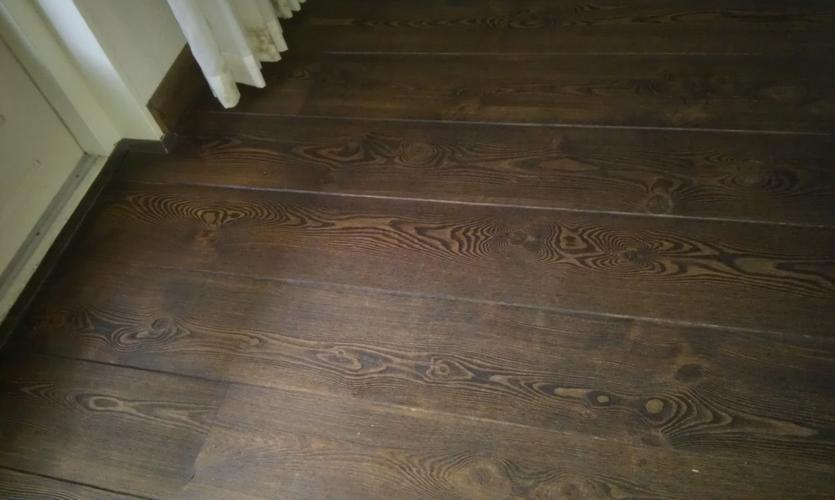 Donker gewaxte ? houten vloer weer licht maken werkspot