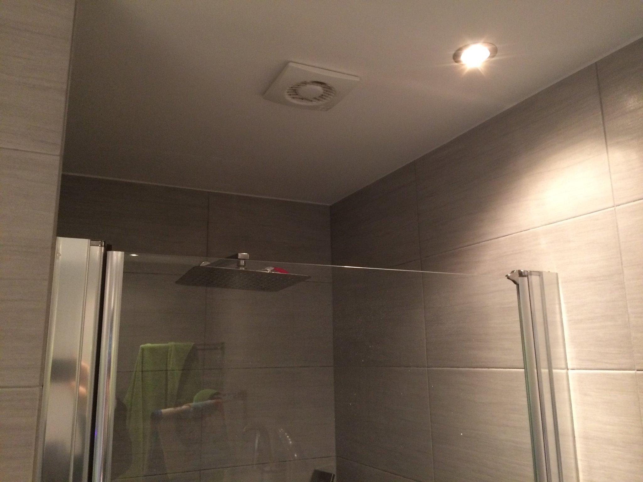Ventilatie Badkamer Muur : Aanpassen afzuiging toilet en badkamer en kanaal maken afzuigkap