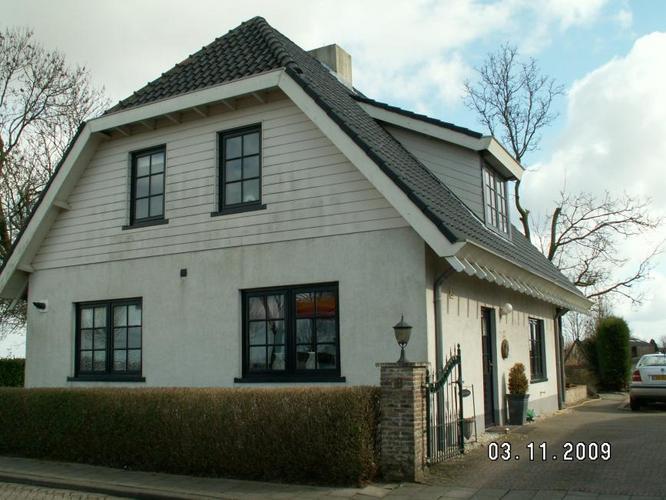 Geliefde buitenkant huis schilderen kh02 for Wat kost een huis schilderen