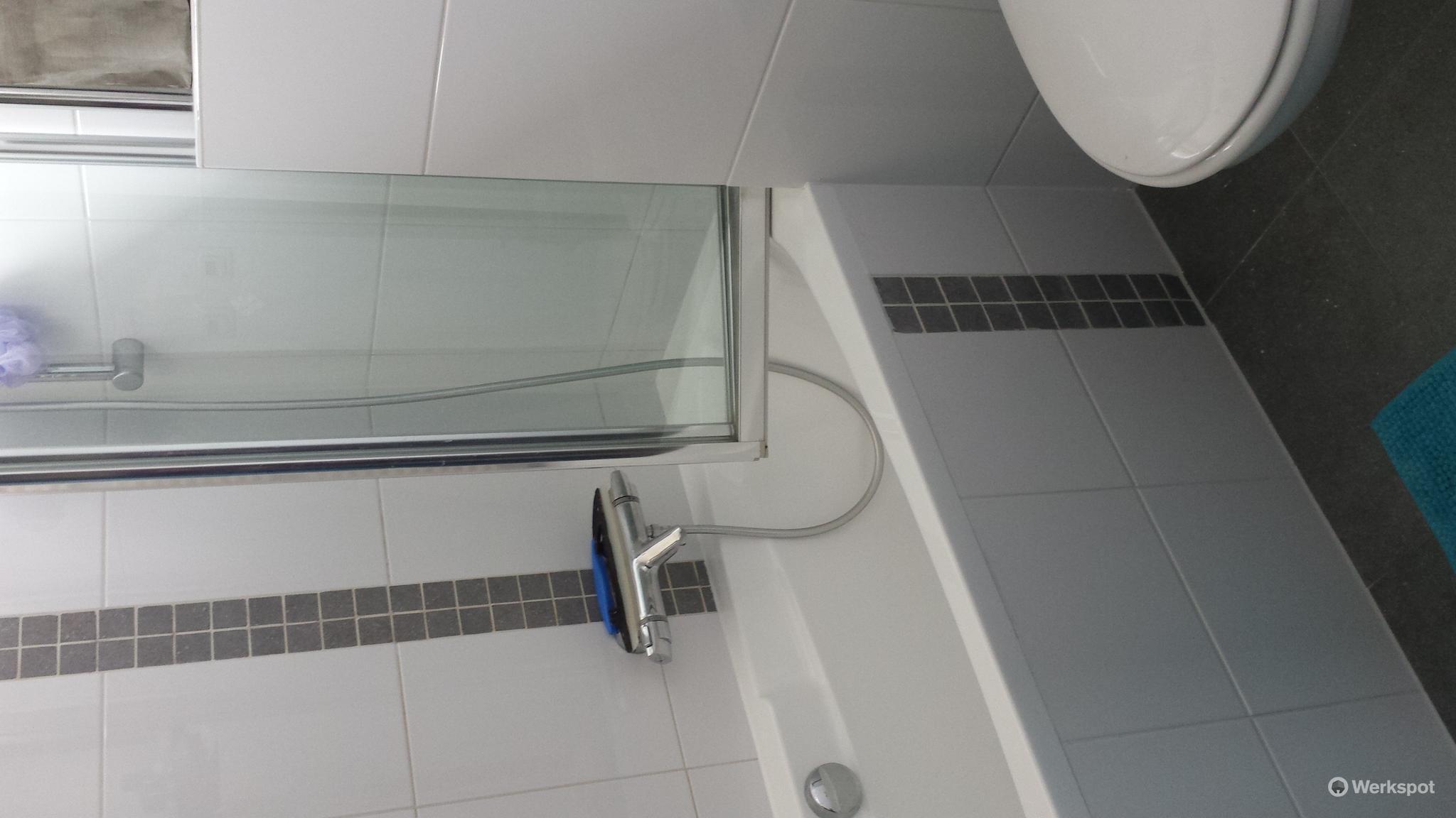 bad stellen plaatsen ondersteunen tegelen werkspot