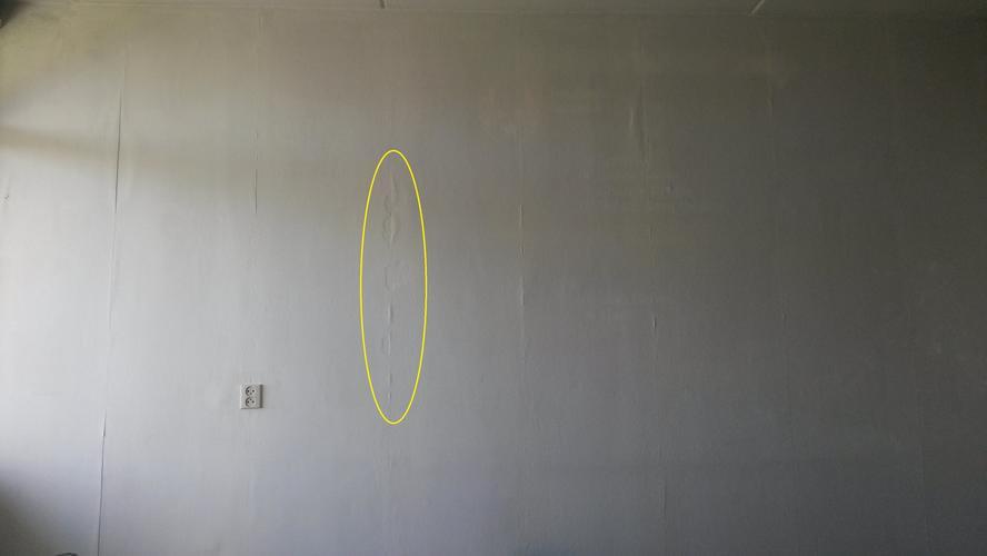 Behang verwijderen en muur behangen werkspot for Gipsplaten behangen met vliesbehang