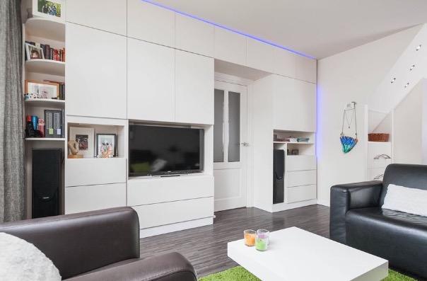 Spuiten keukenfrontjes en wandkasten woonkamer/bijkeuken - Werkspot