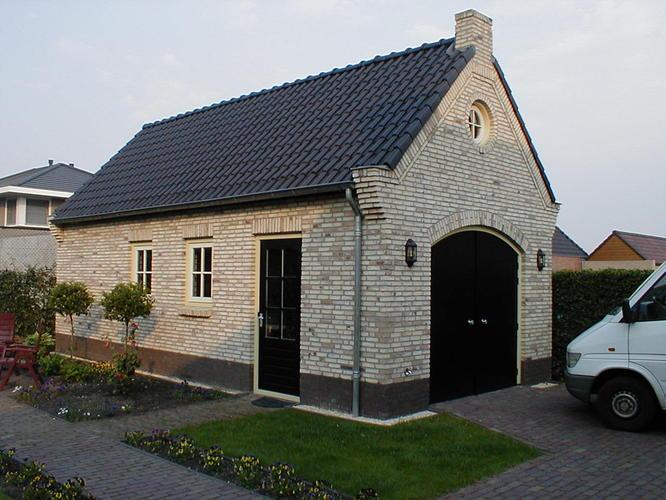 Overkapping bouwen tegen bestaande garage werkspot - Veranda met stenen muur ...