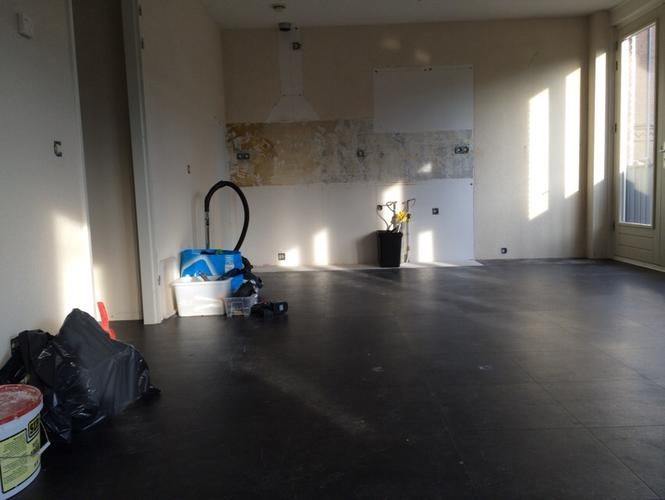 Witte Marmoleum Vloer : Marmoleum vloer leggen appartement m werkspot