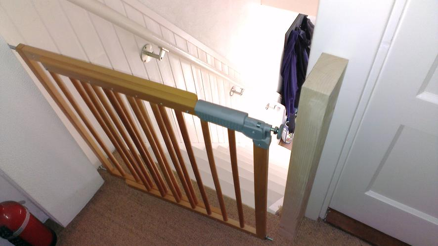 Spiksplinternieuw Traphekje plaatsen / monteren bovenaan trap - Werkspot AB-33