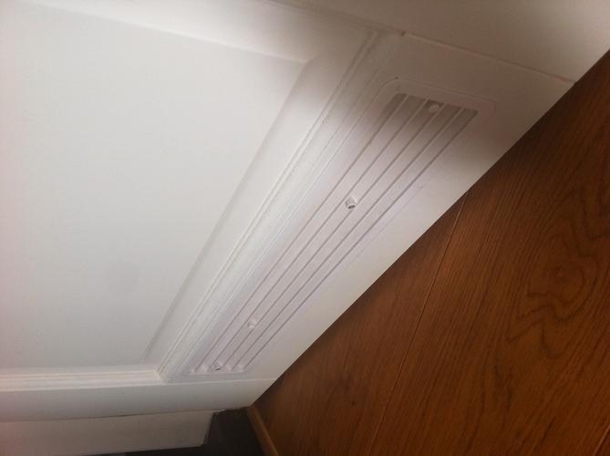 Ventilatierooster plaatsen in badkamer en toilet deur werkspot