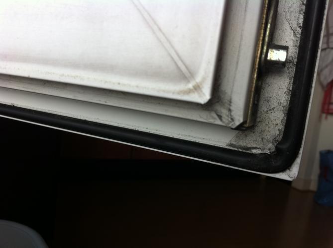 Verrassend Rubber vervangen van het raam/kozijn - Werkspot FR-91