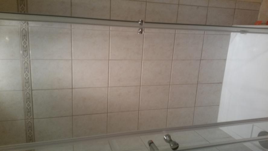 Badkamer Opnieuw Voegen : Badkamer hoeken voegen of kitten: douche vloer kitten voegen