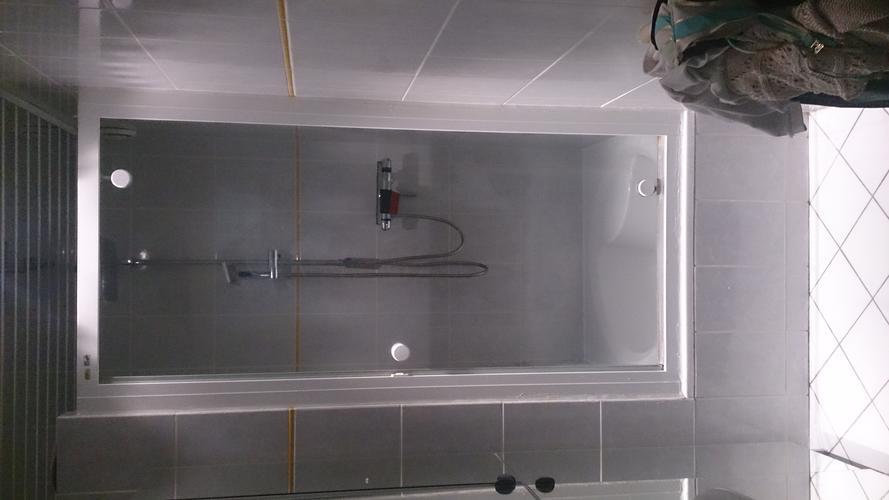 Simpel Badkamer Opknappen : Badkamer opknappen werkspot