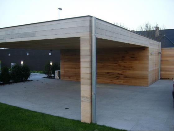 Garage Met Overkapping : Moderne houten garage carport en overkapping in één werkspot