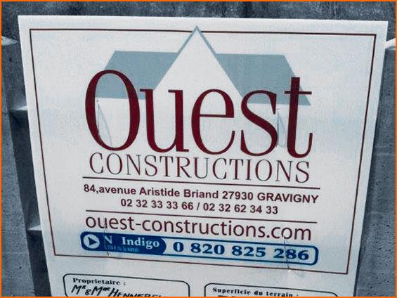 panneau de permis de construire avec logo