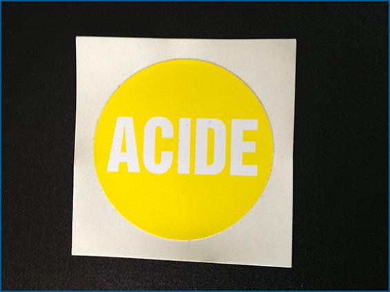étiquettes d'information acide