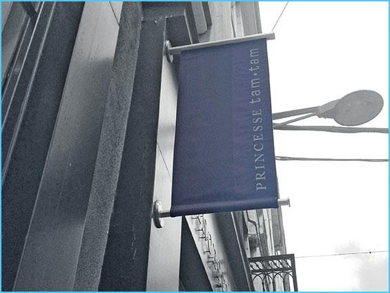 bâches et banderoles enseigne de magasin