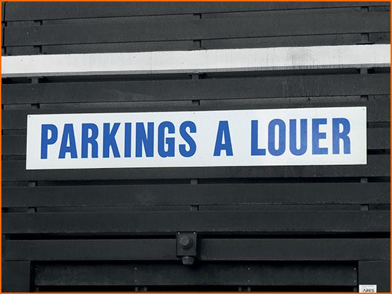 panneau immobilier de parking a louer