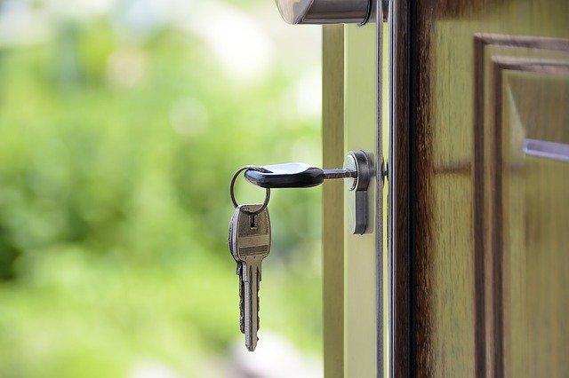 Cesja kredytu hipotecznego - jak przenieść kredyt na inną osobę?
