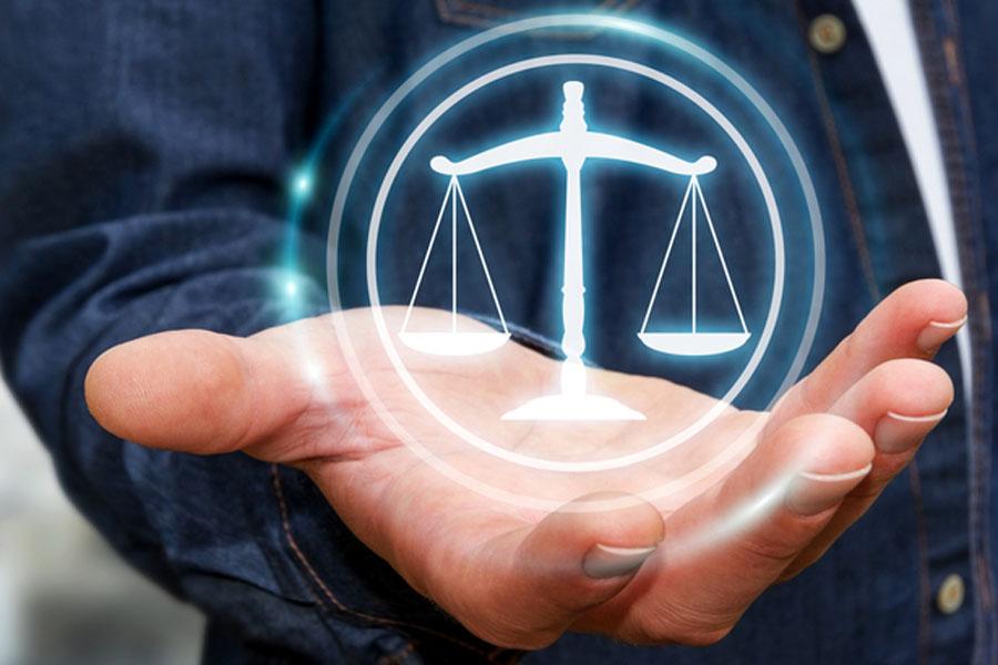 Prawnik przez internet