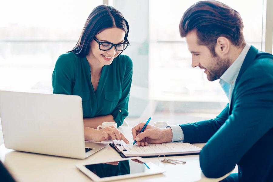 Umowa pożyczki a umowa kredytu