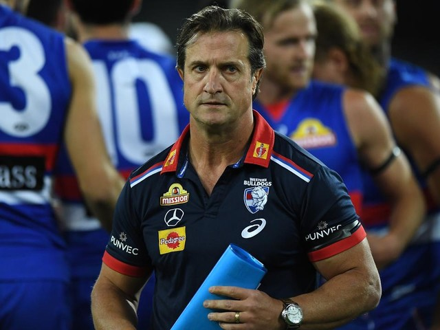 Luke Beveridge warns less AFL players and staff would be prepared to relocate in 2021, should hubs be required