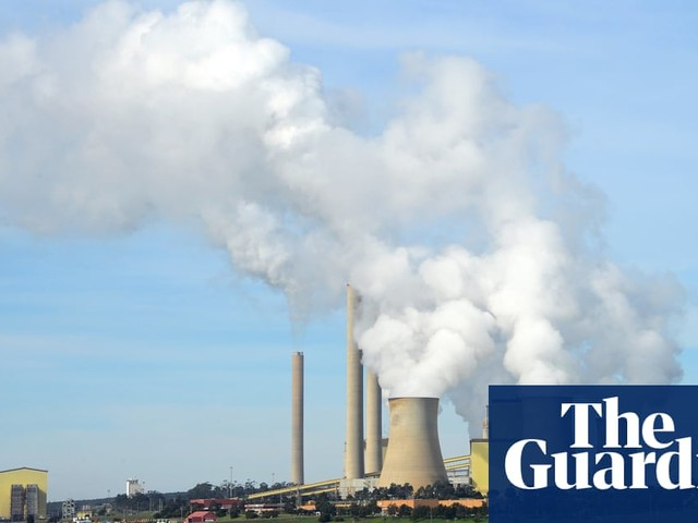 Victoria's environment regulator sued by advocates over alleged failure to limit emissions