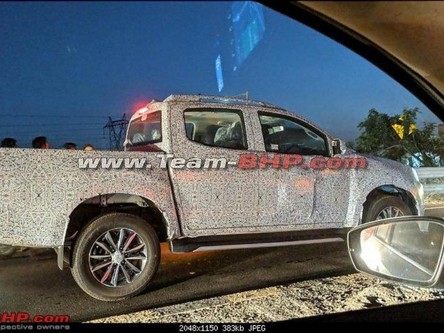 2019 Isuzu D-Max V-Cross Facelift Spied In India