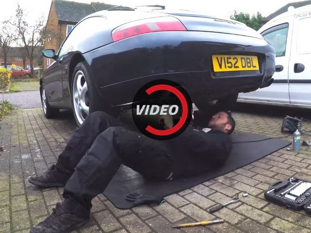 This Simple Exhaust Hack Can Make A Porsche 996 Sound Properly Angry