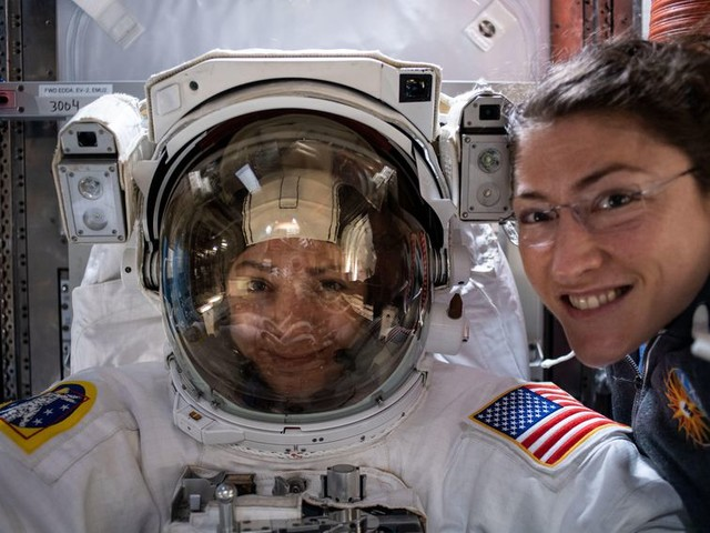 Watch the second all-female spacewalk happening right now - CNET