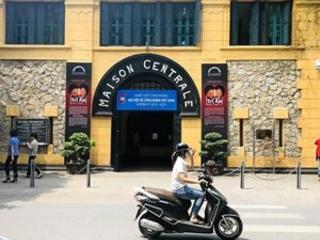 Should tourists have reservations about Hanoi Hilton visit?