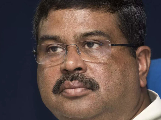 Need trainers in to impart skill to 50 cr: Secy