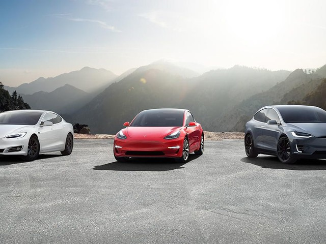 Tesla owners can now view Sentry Mode, TeslaCam footage in-car - Roadshow