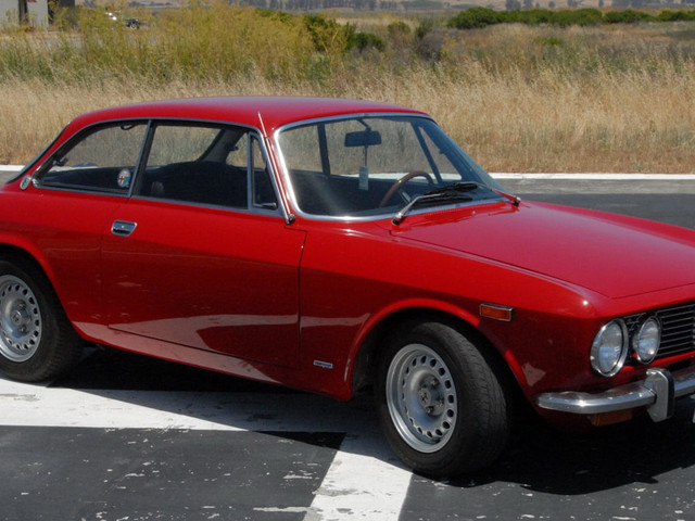 Bid On This Alfa Romeo 2000 GT Veloce, Make Other Car Enthusiasts Jealous