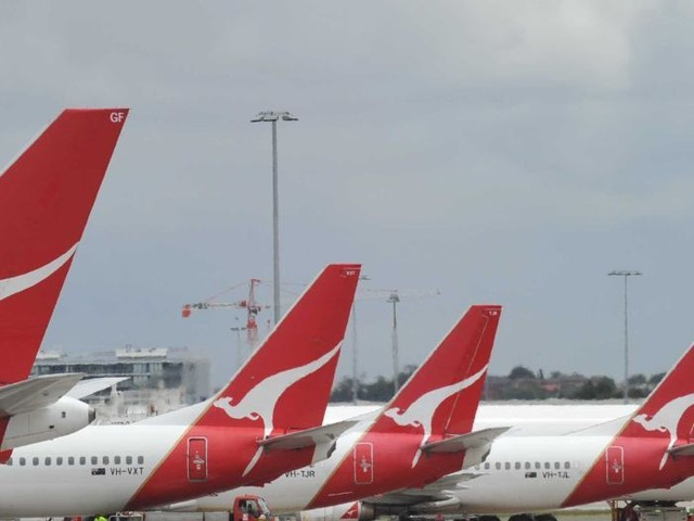 Should Sydney's airports be run by the same company?