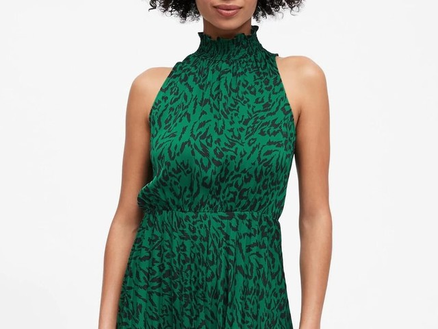 25 Banana Republic Dresses to Add to Your Closet This Winter - For Work, Parties, and More
