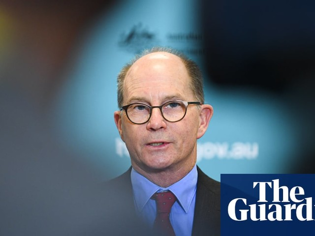Reopening Australia's border will be 'one of the last things to change', says chief medical officer