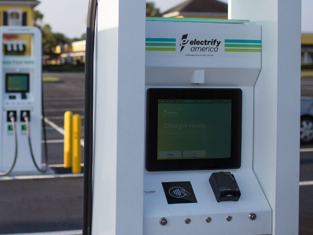 Several States Want To Use Credit Cards At EV Stations, Security Concerns Arise