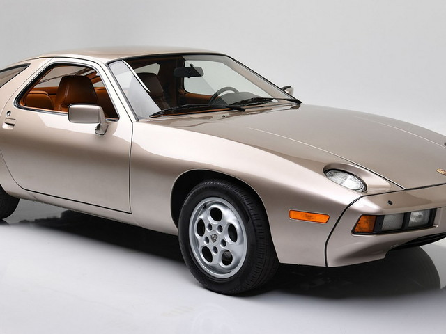 A Porsche 928 From Risky Business Just Sold For An Insane $1.98 Million