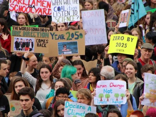 Climate protesters flood Melbourne's CBD in call to action