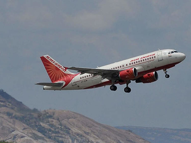 Government looks to sweeten Air India sale deal, discusses proposals for prospective bidders