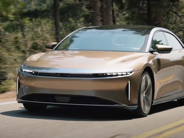2022 Lucid Air Driven, 520-Mile Range Tested By Motor Trend
