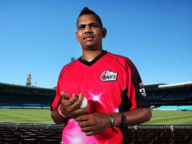 Come in spinners! Hogg, Narine boost 'Gades