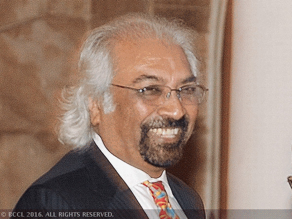 Rajan doesn't deserve such humiliation: Sam Pitroda
